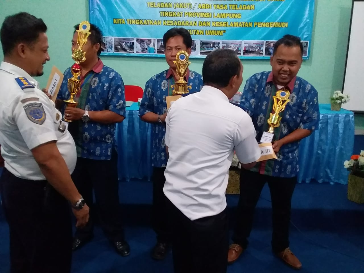 Syaprudin, Awak Pengemudi PT. ATE Raih Prestasi Pemilihan Awak Kendaraan Umum Teladan 2018