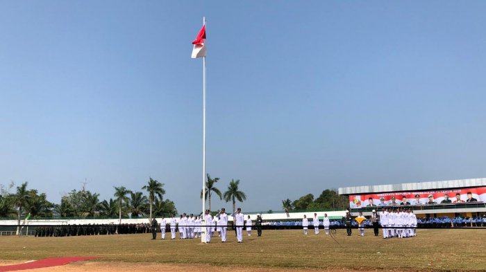pemerintah-kabupaten-lampung-utara-menggelar-upacara-peringatan-hut-ri-ke-73_20180817_113502-kns-64653_mw51gd.jpg