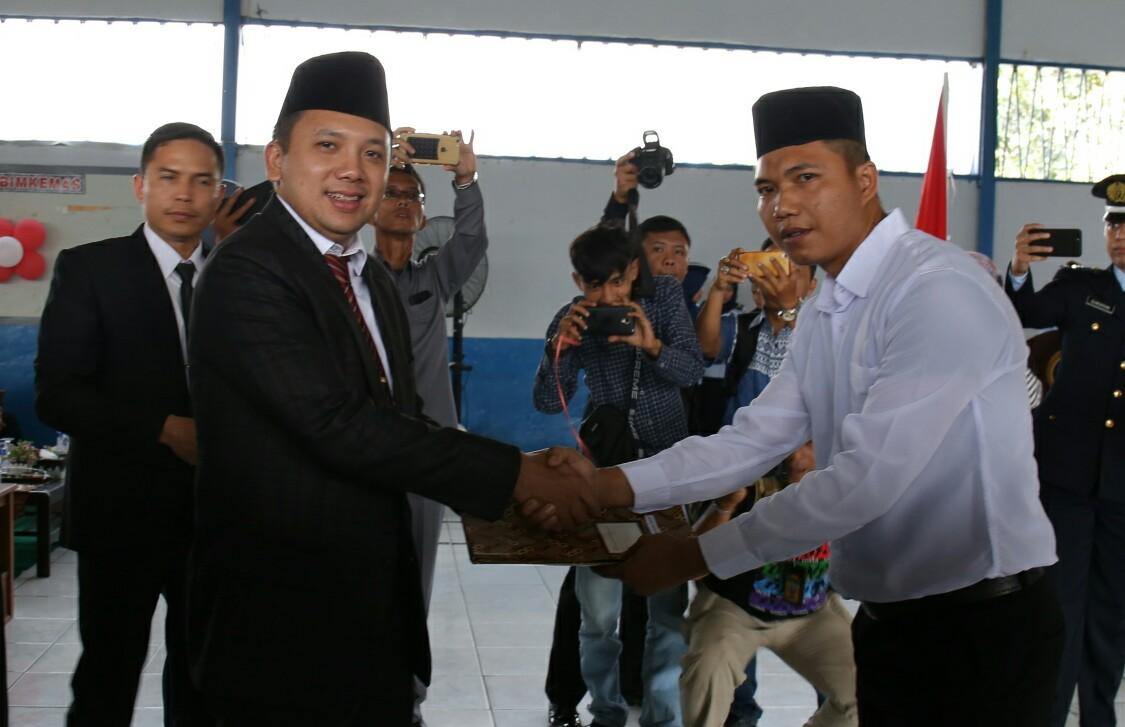 Gubernur Lampung Serahkan Remisi Terbanyak