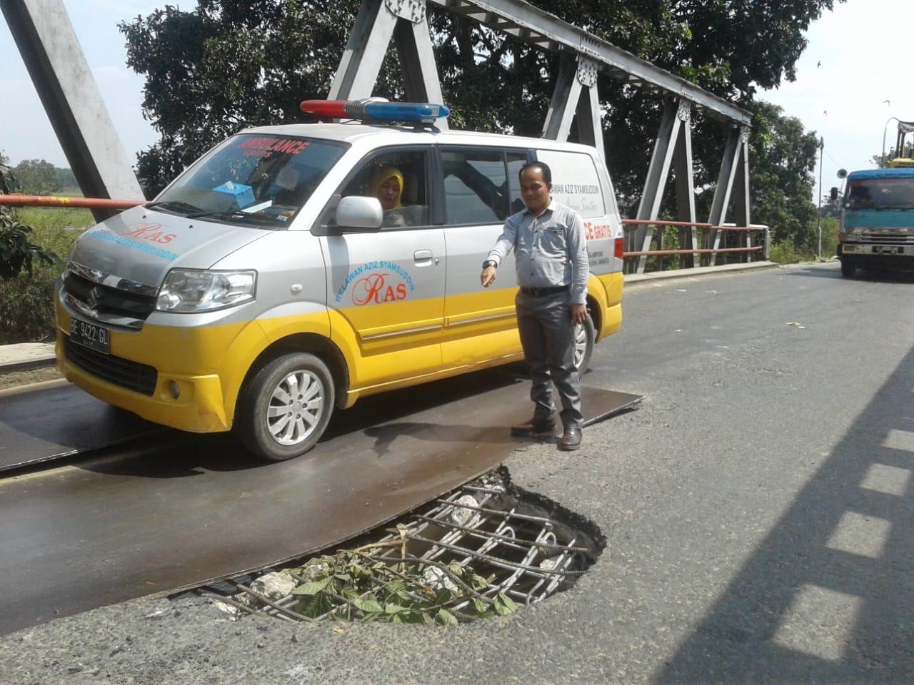 Ketua PWI Tulangbawang Minta Pemkab Setempat Lakukan Perbaikan Jembatan Bujungtenuk