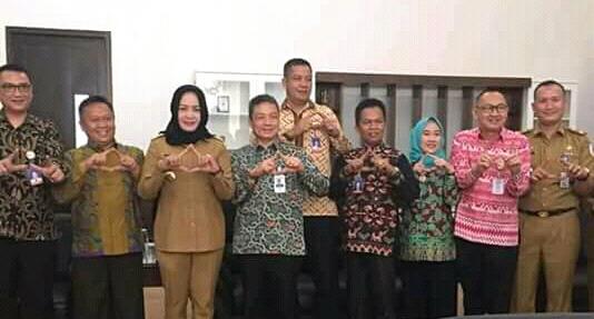 Bupati Winarti Menerima Kunjungan Direktur Bank Lampung