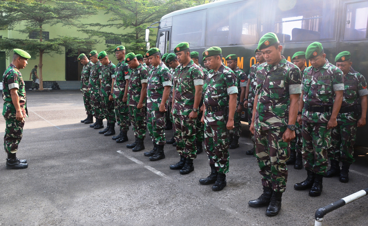 Pasi Ops Korem 043/Gatam Berangkatkan Atlit Dayung Ke Palembang