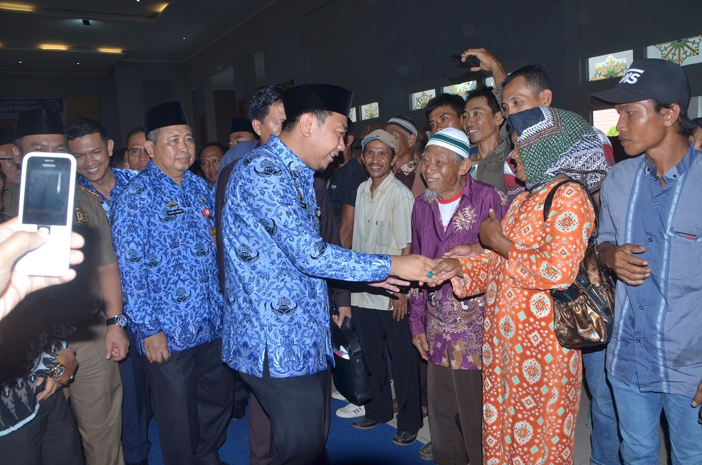Bupati Agung Hadiri Sosialisasi Program BSPS di Islamic Center Kotabumi