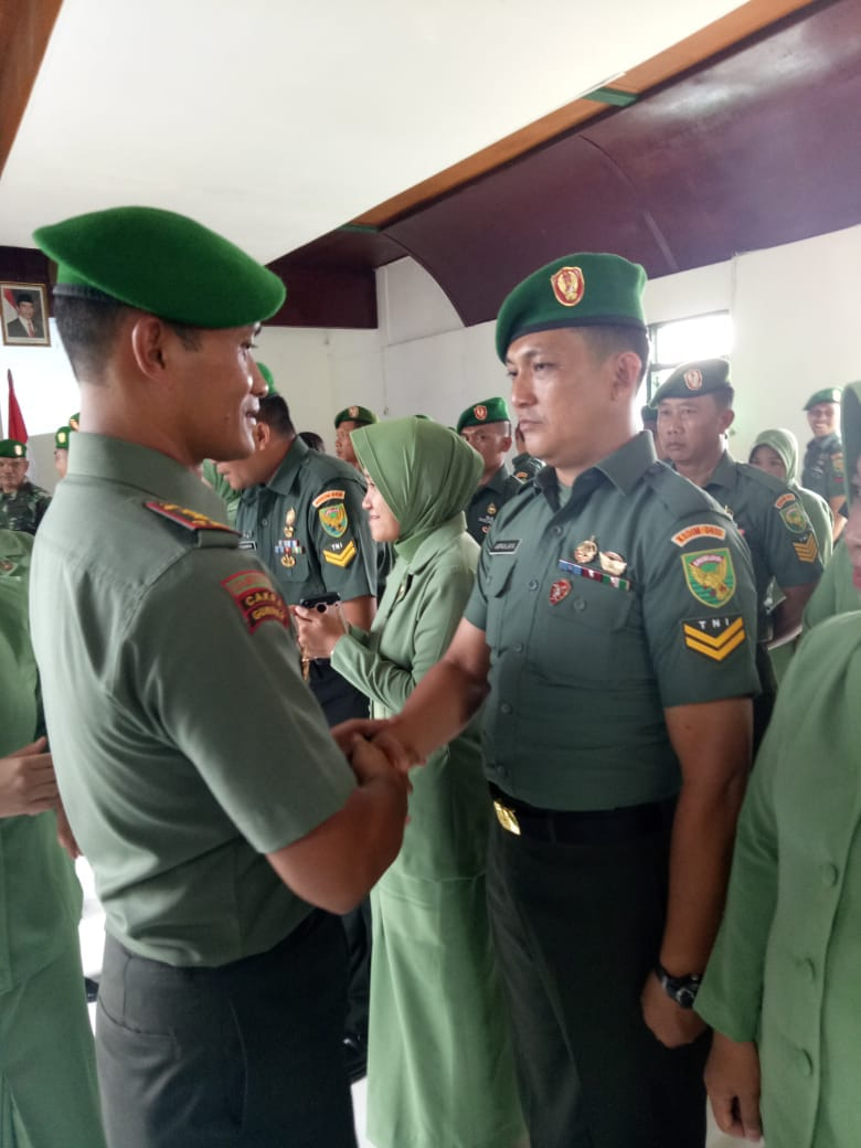 Dandim 0410/KBL Letkol Arm Wahyu Jatmiko Pimpin Acara Korp Raport Pelantikan Kenaikan Pangkat Bintara dan Tamtama