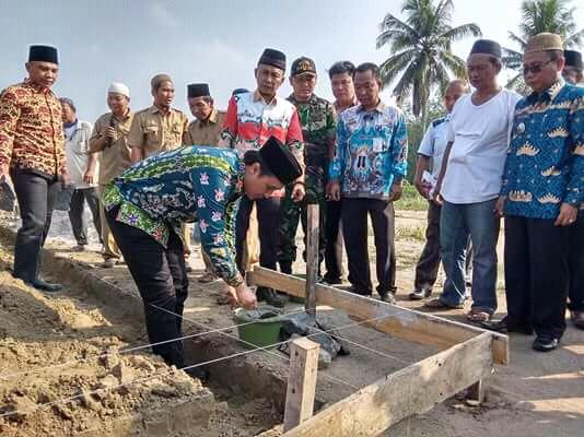 Wabup Tuba Hendriwansyah Lakukan Pelatakan Batu Pertama Pembangunan Pasar Bujung Tenuk