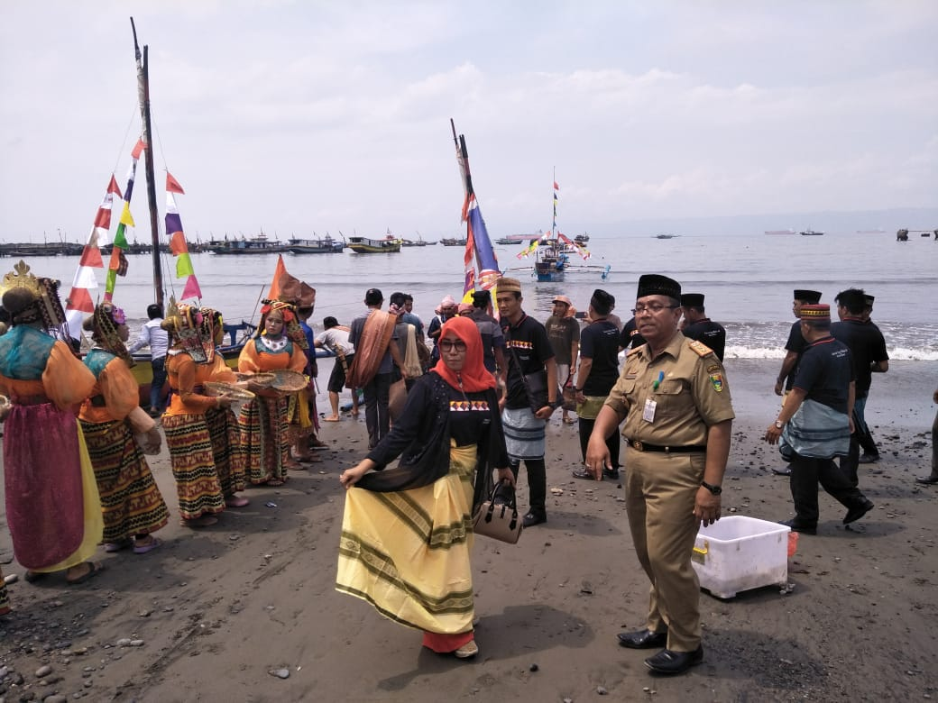 Kenalkan Tradisi Lokal, Dinas Kebudayaan Tanggamus Gelar Pesta Laut Melawai