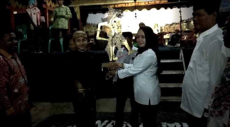Bupati Winarti Sambangi Kampung-kampung Kecamatan Gedungaji Baru