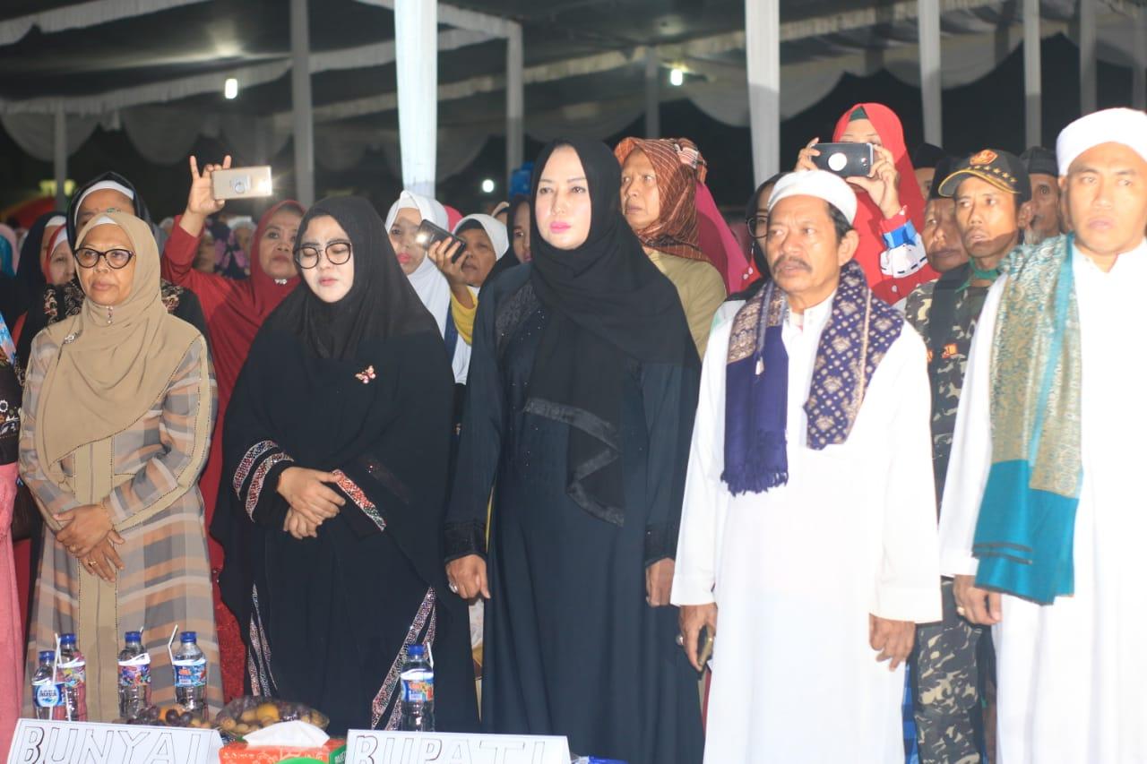 Bupati Winarti Hadiri Majelis Dzikir Manaqib Nurul Qodiri Besama Kh. Achmad Muzakki Syah
