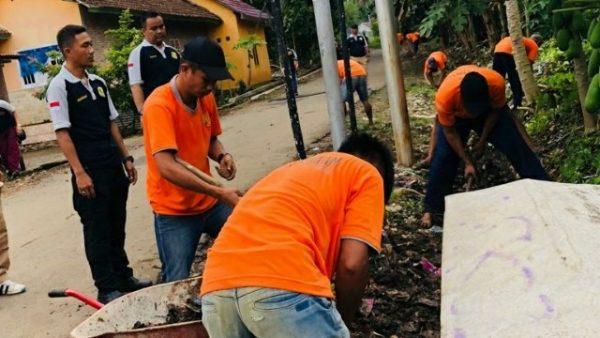 Lapas Kota Agung Mengadakan Kerja Bakti di Lngkungan Lapas