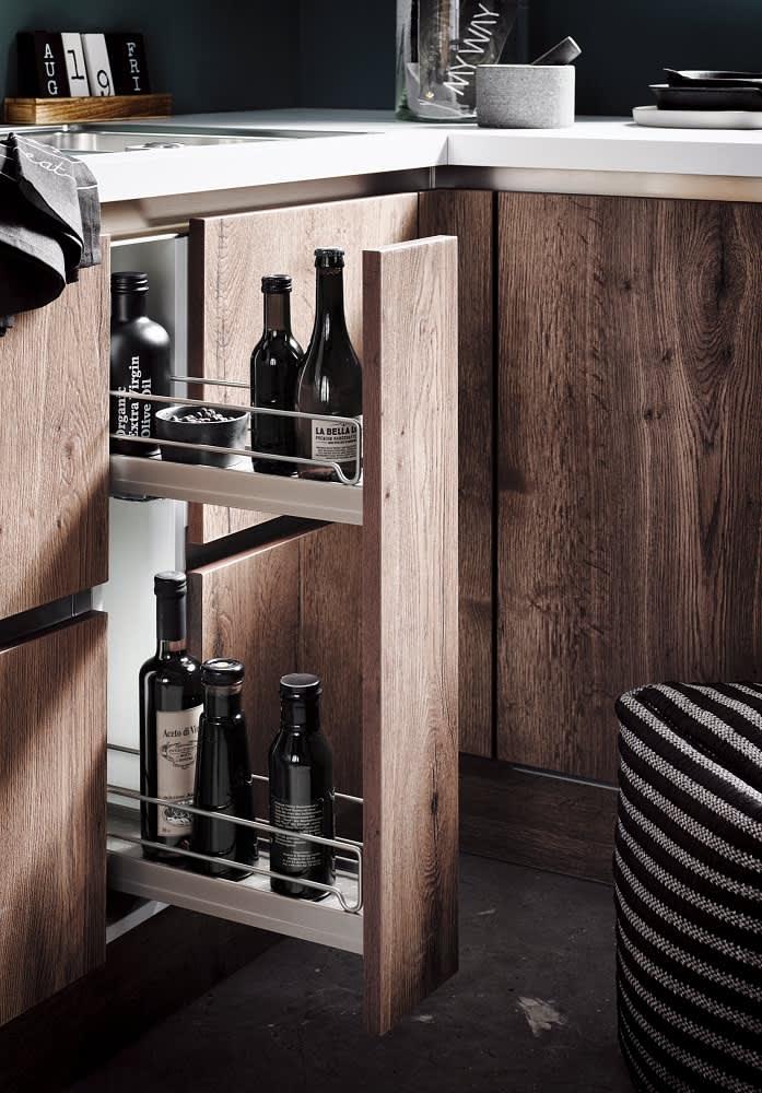 apothekerschrank classica1250 grifflos einbauküche eiche cognac
