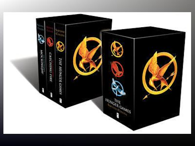 The Hunger Games Trilogy Classic Box Set av Suzanne Collins