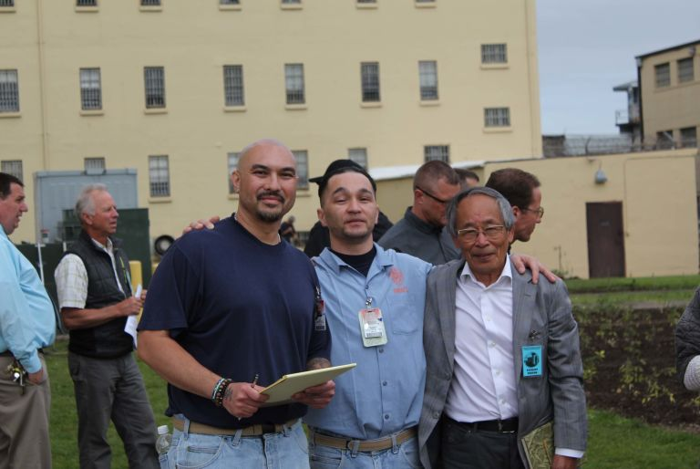 group working on garden at Oregon State Penitentiary