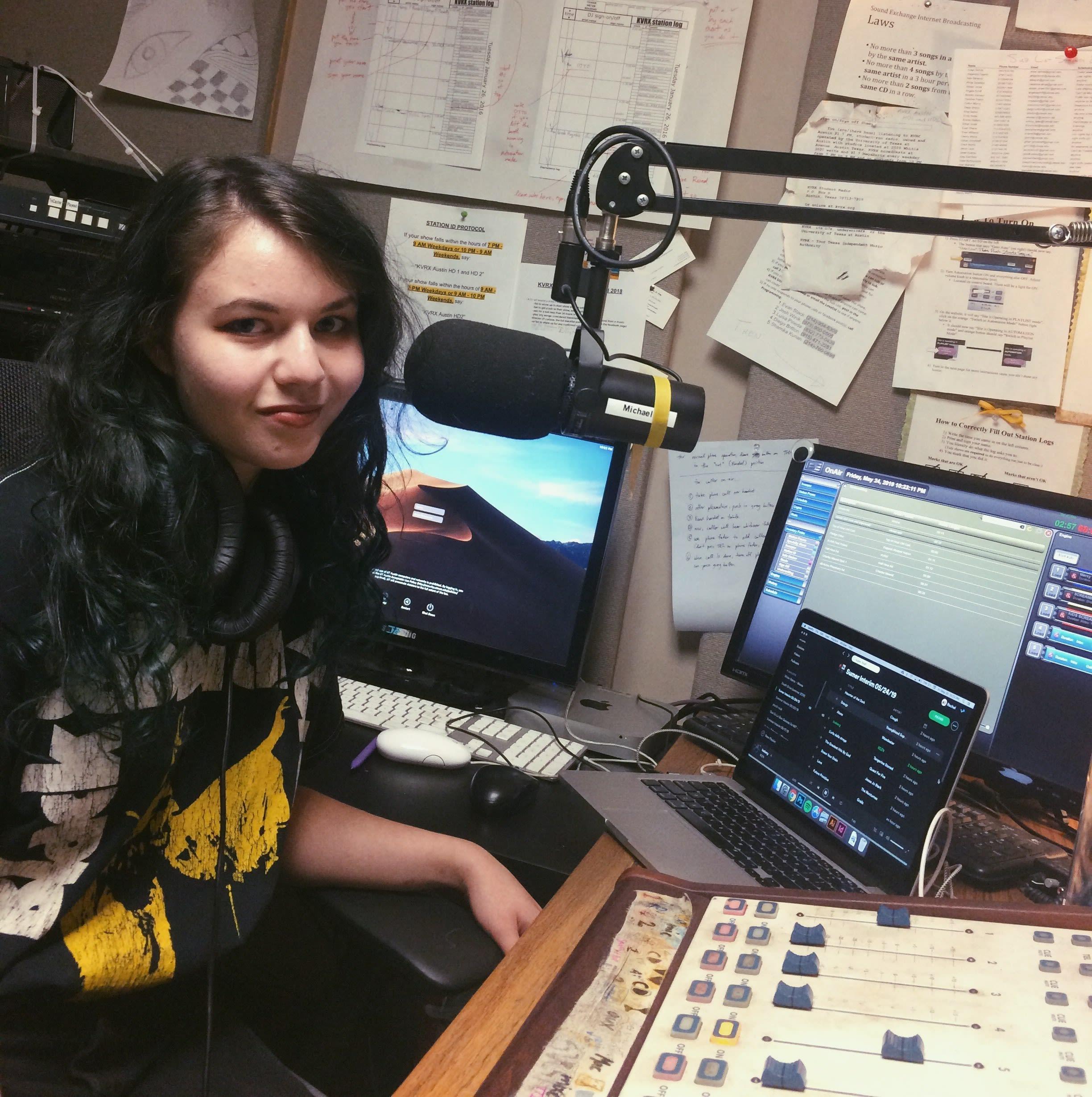 Senior Sign-Off: DJ Rachel