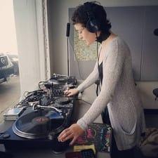 DJ Lluvia