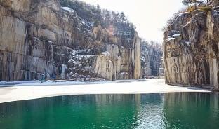 1월, 호수를 얼리는 겨울의 춤