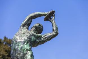 최초 올림픽 동상