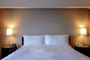 클럽 수피리어 킹룸 침대