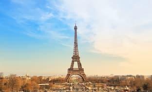 방송용 안테나가 설치된 에펠탑