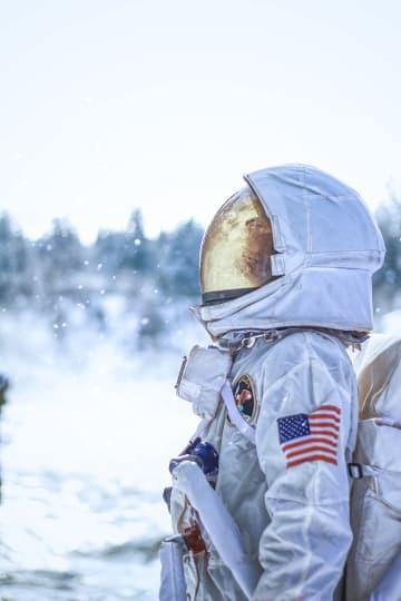무착륙비행, 지구를 넘어 우주로?