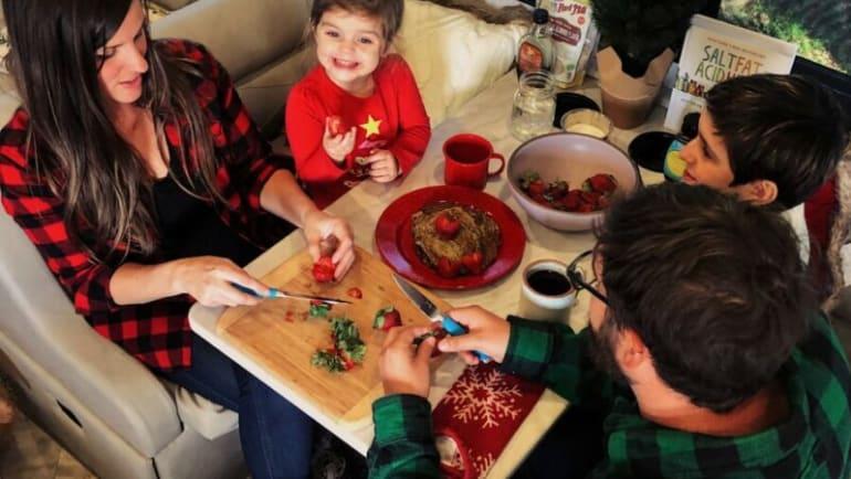 kid friendlly treats this Christmas holiday season