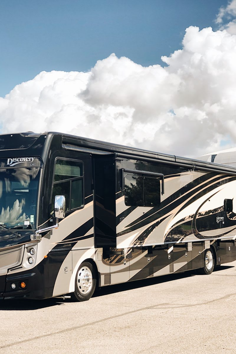 Class A Luxury RV, Fleetwood Discovery number one Unit