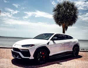 Lamborghini Urus - White    For Rent In Miami Fort Lauderdale Palm Beach South Florida