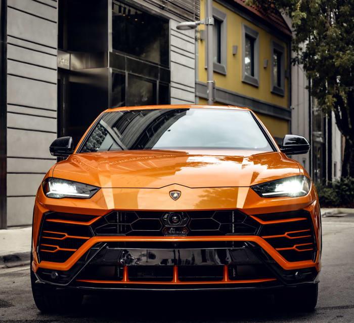 Image #5 of our 2021 Lamborghini Urus Starlight (Orange) In Miami Fort Lauderdale Palm Beach South Florida