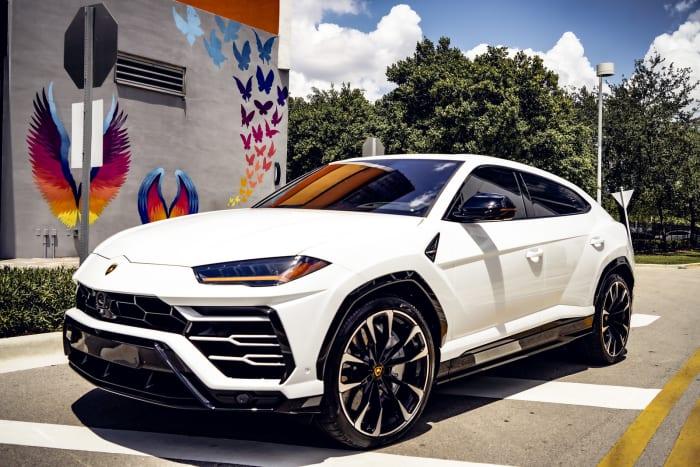 Image #4 of our 2021 Lamborghini Urus  (White) In Miami Fort Lauderdale Palm Beach South Florida
