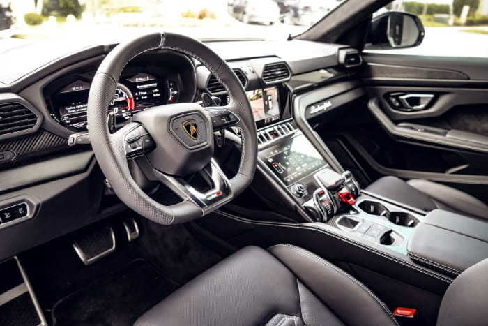 Image #6 of our 2021 Lamborghini Urus  (White) In Miami Fort Lauderdale Palm Beach South Florida