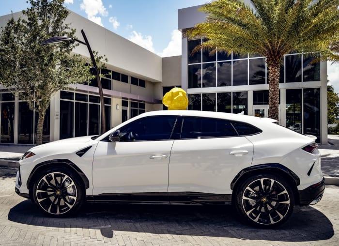 Image #5 of our 2021 Lamborghini Urus  (White) In Miami Fort Lauderdale Palm Beach South Florida