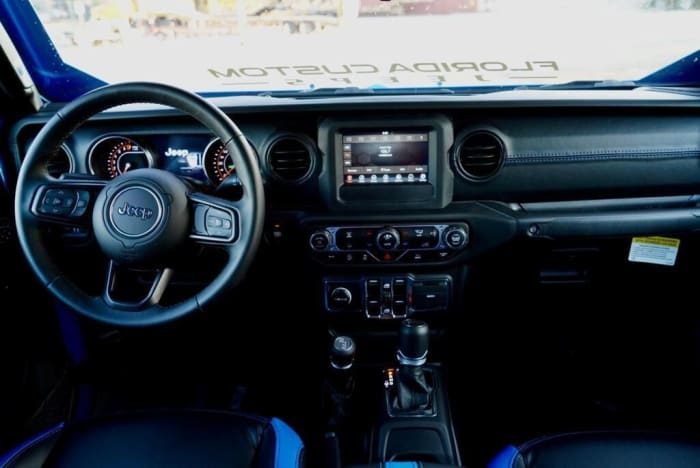 Image #4 of our 2018 Jeep Gladiator  (Blue) In Miami Fort Lauderdale Palm Beach South Florida