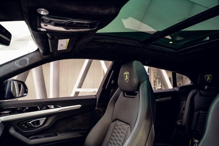 Image #5 of our 2021 Lamborghini Urus  (Dove Gray) In Miami Fort Lauderdale Palm Beach South Florida