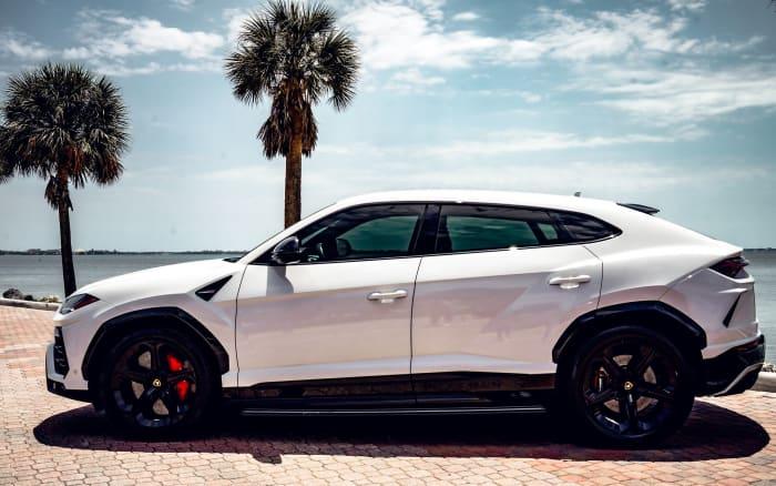 Image #2 of our 2018 Lamborghini Urus  (White) In Miami Fort Lauderdale Palm Beach South Florida