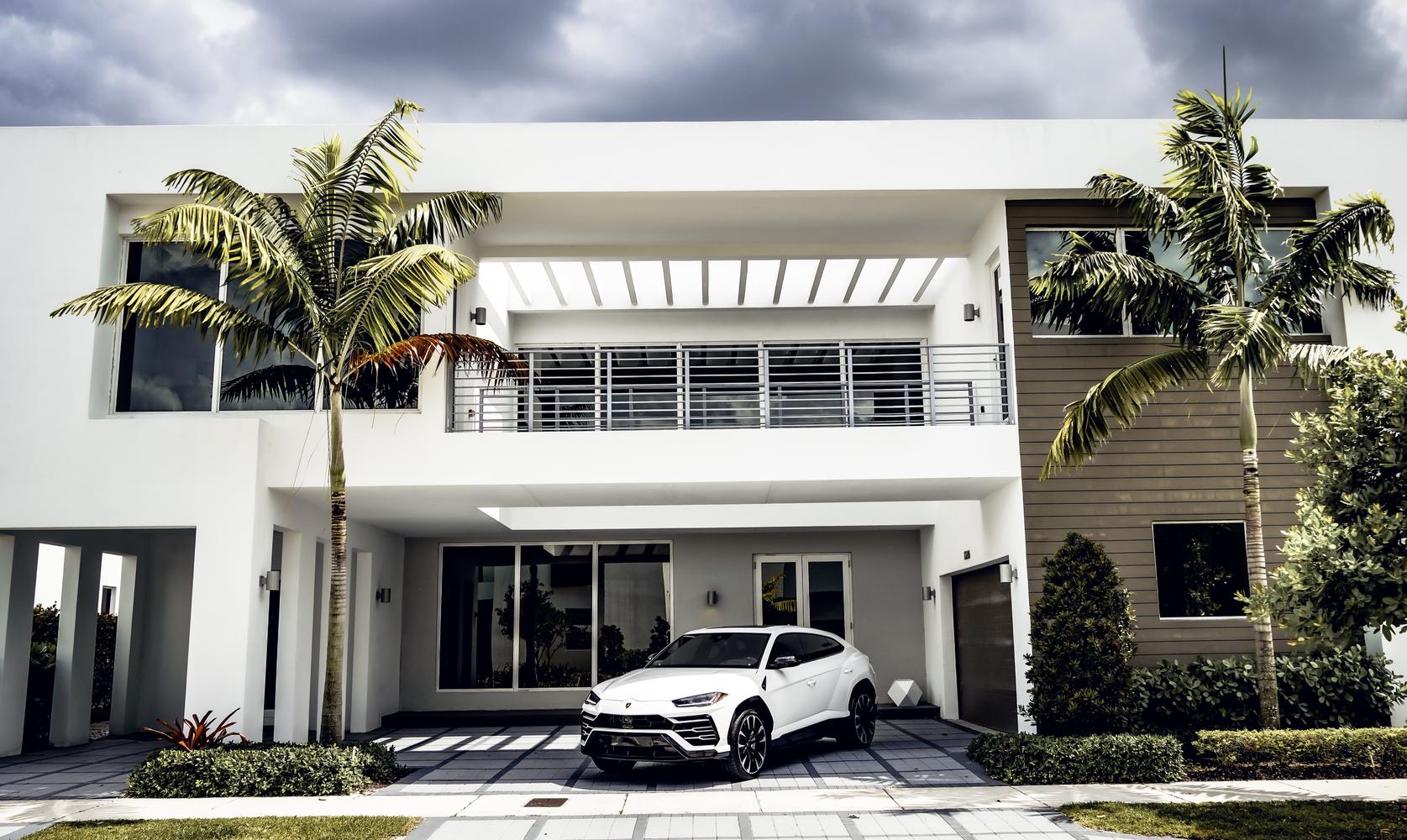 Image #3 of our  2021 LAMBORGHINI URUS - WHITE    In Miami Fort Lauderdale Palm Beach South Florida