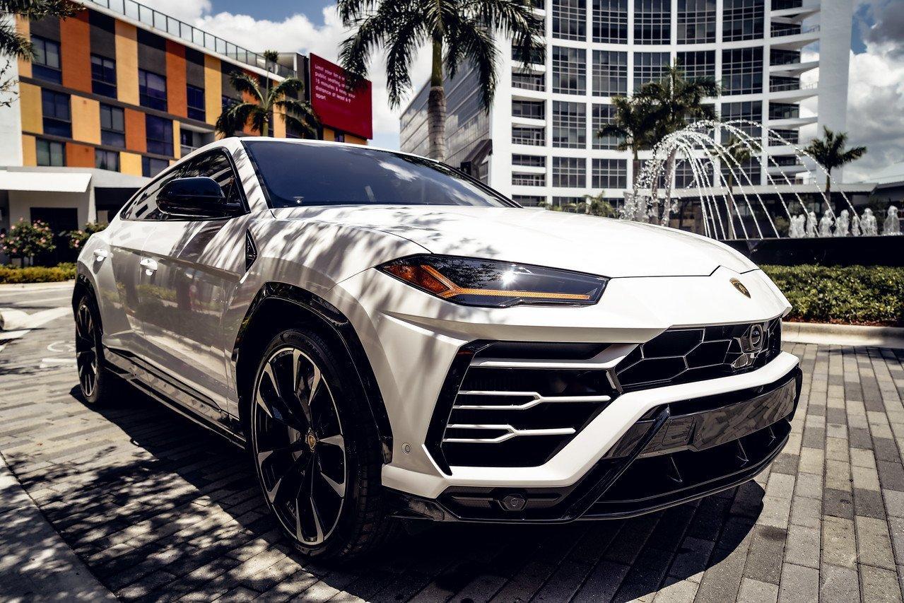 Image #10 of our  2021 LAMBORGHINI URUS - WHITE    In Miami Fort Lauderdale Palm Beach South Florida