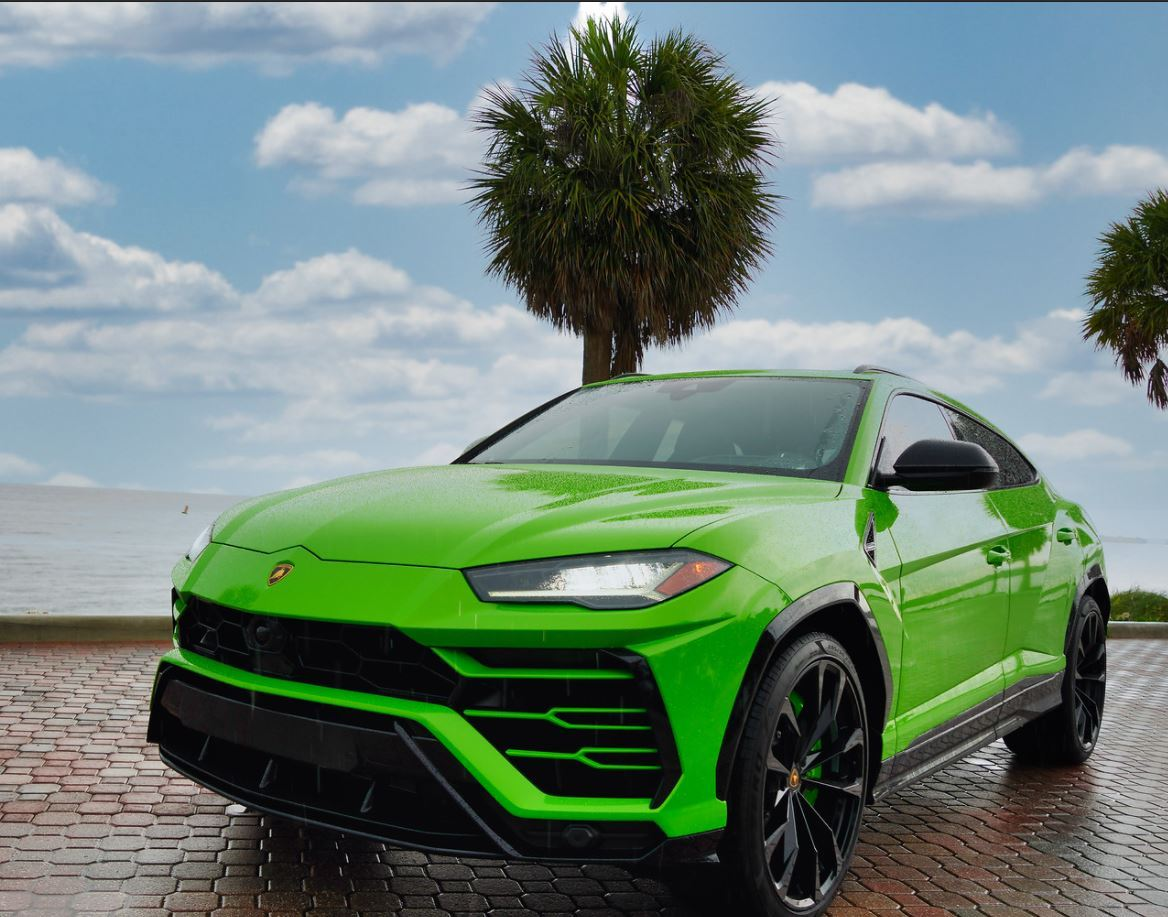 Image #6 of our  2022 Lamborghini Urus  Green    In Miami Fort Lauderdale Palm Beach South Florida
