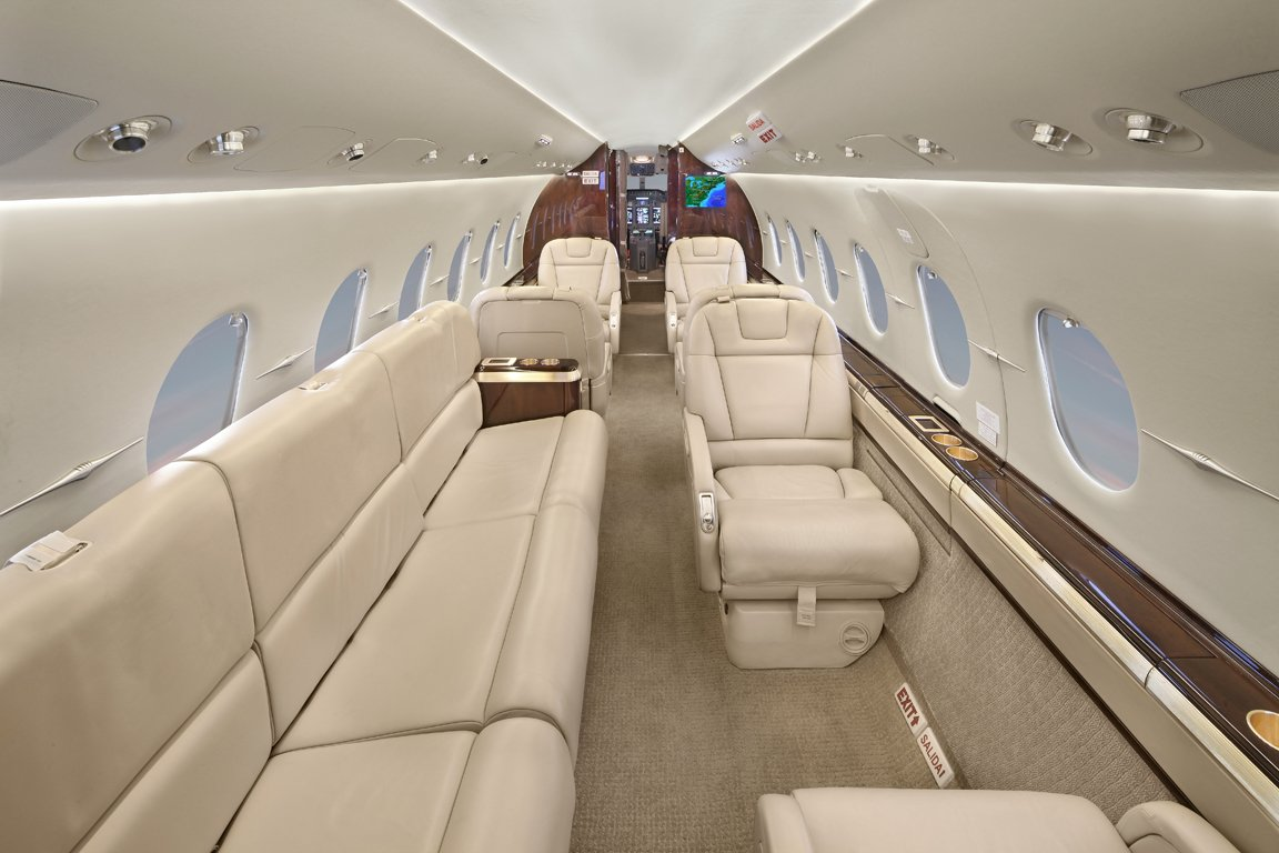 Image #2 of our  Hawker 4000   () In Miami Fort Lauderdale Palm Beach South Florida