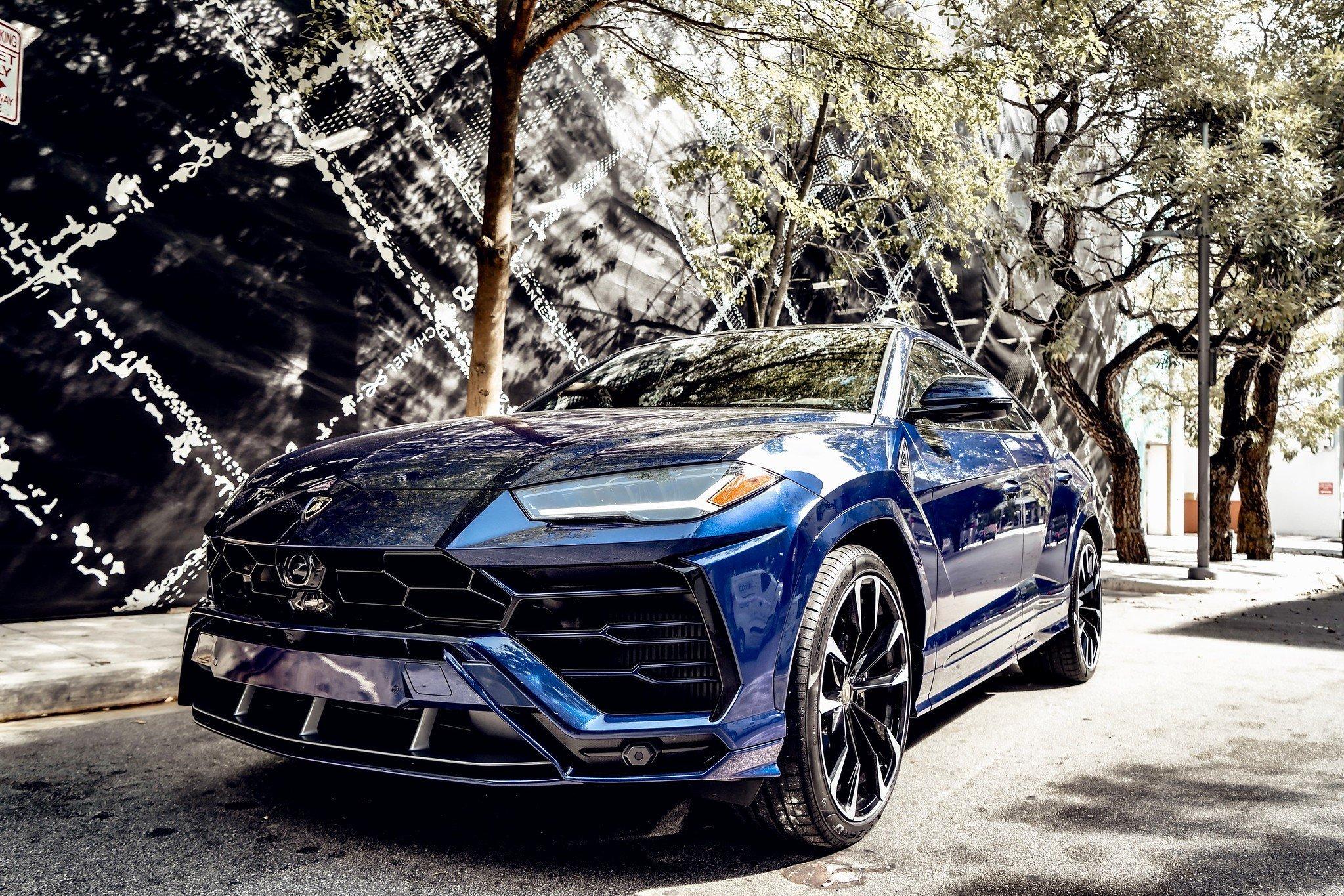 Image #5 of our  2021 Lamborghini Urus - Dark Blue    In Miami Fort Lauderdale Palm Beach South Florida