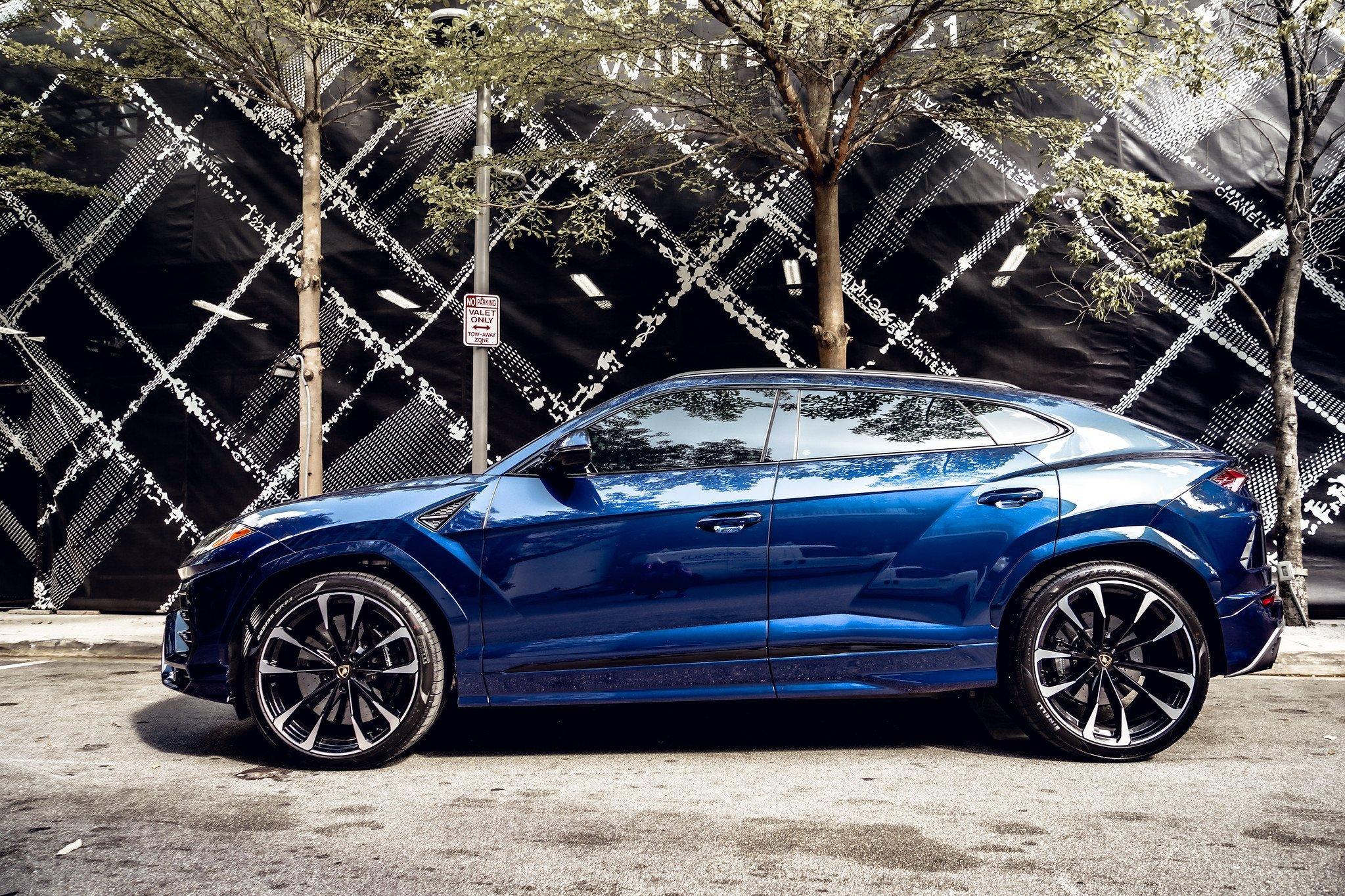 Image #10 of our  2021 Lamborghini Urus - Dark Blue    In Miami Fort Lauderdale Palm Beach South Florida