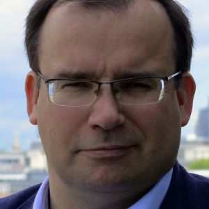 Gareth S Thomas