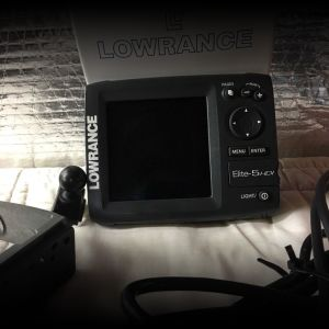 Lowance ELITE 5 hdi with downscan@sonar bracket, sun cover, quick release mount