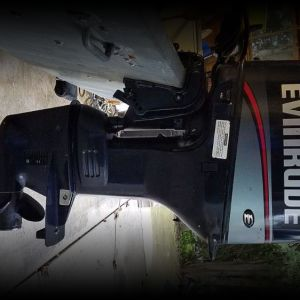 1997 Evinrude 3cyl 25 hp electric start outboard