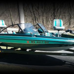 1993 Astro FSX 18 ft Fish and ski