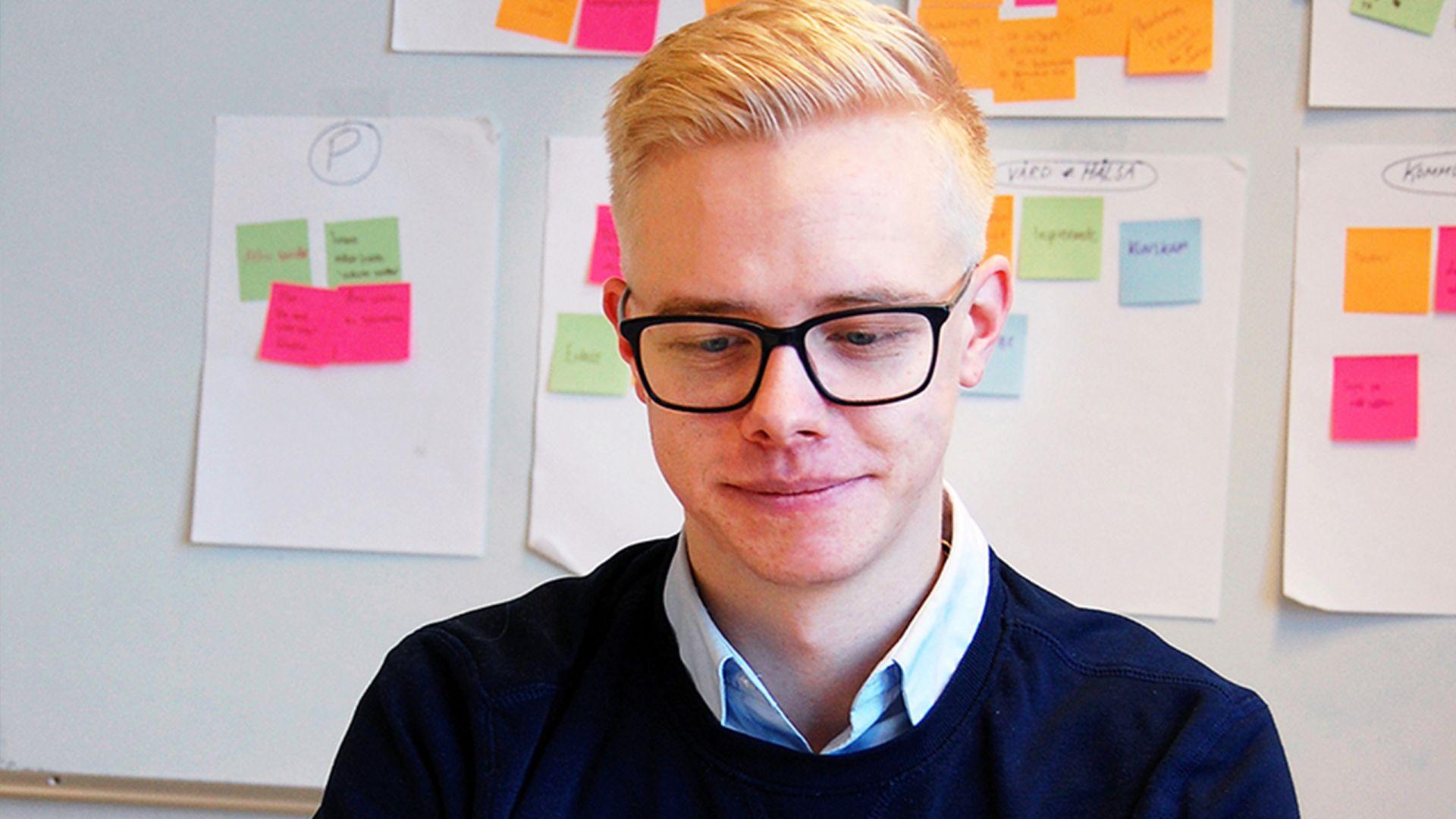 Alexander pluggar UX-design och är egenföretagare