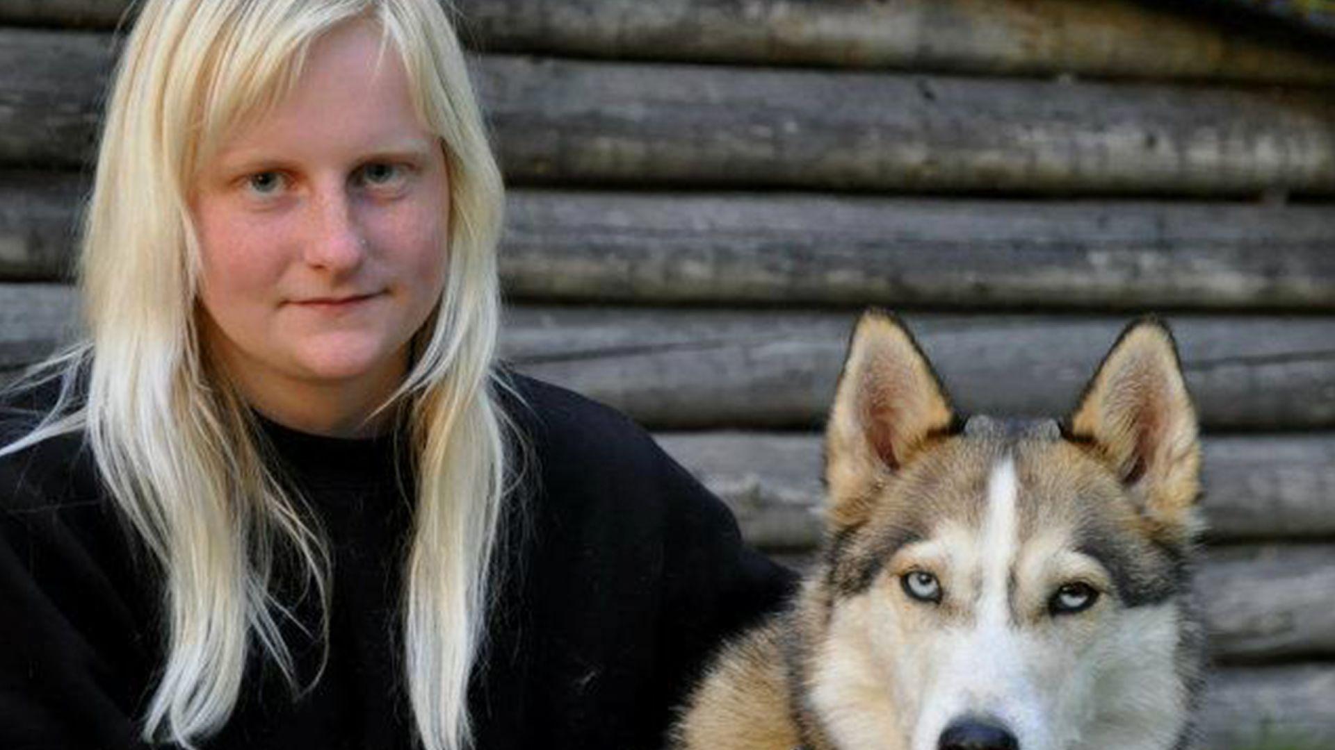 Johanna jobbar med Försvarets hundar