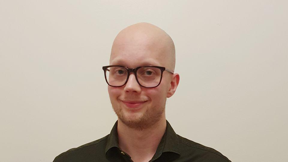 Presentation - Jonas Apelman kommunikatör och administratör.