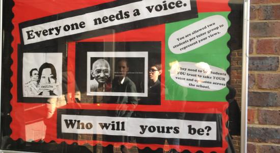 Be the change you wan´t to see in the world. Tavla uppsatt på Bohunt secondary school.