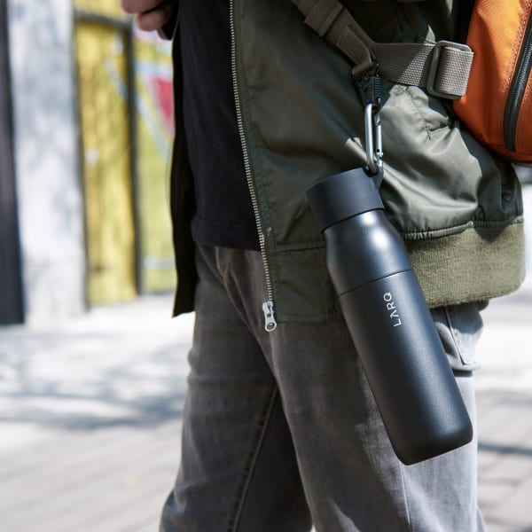 Photo of Active loop with LARQ Bottle PureVis Obsidian Black on backpack