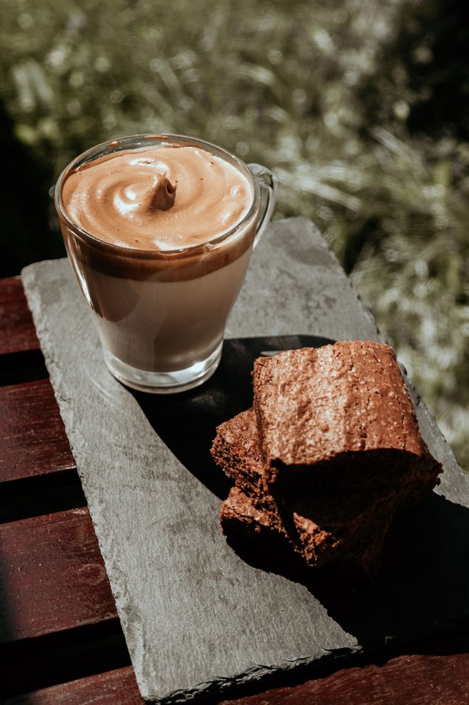 dalgona coffee latte with brownies