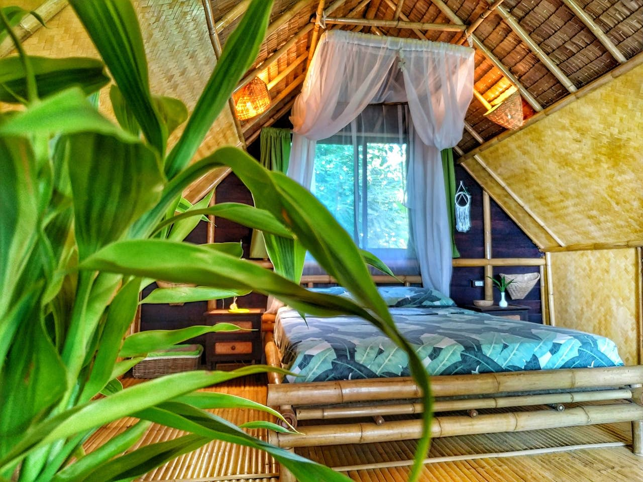 eco-loft thailand bamboo bungalow bedroom
